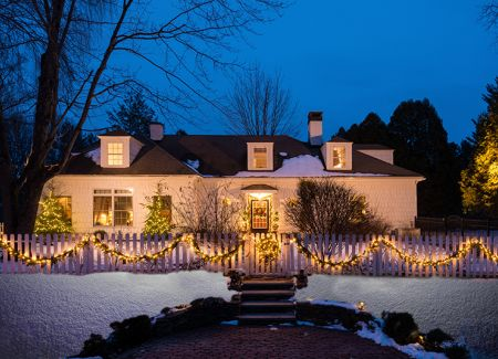Architecturally Speaking: Miracle on Carriage House Lane